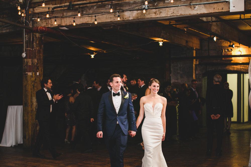 sophisticated-brooklyn-wedding-greenpoint-loft-IG33.jpg
