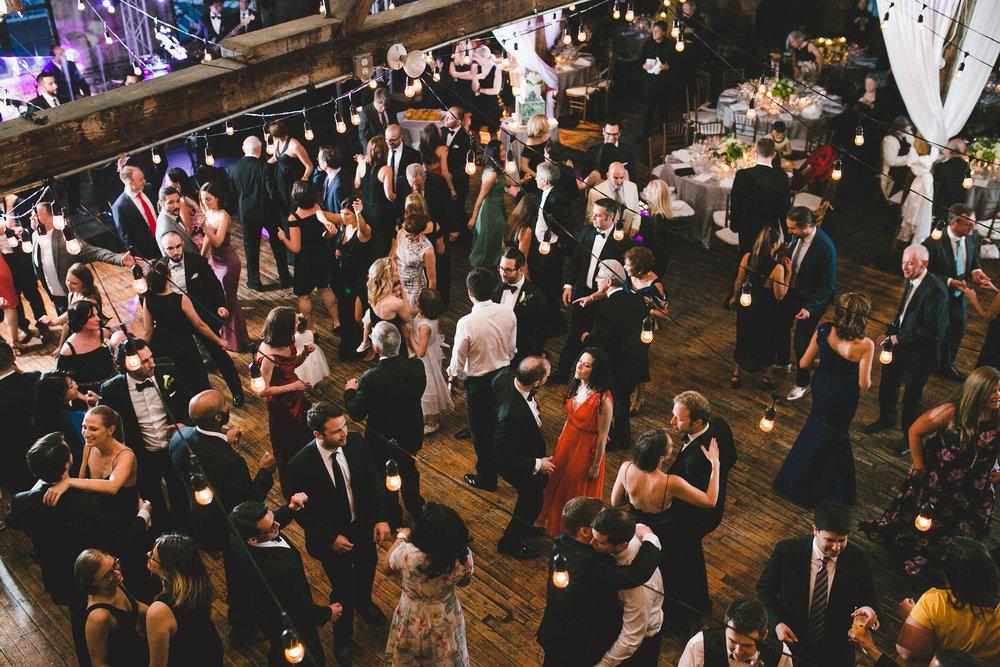 sophisticated-brooklyn-wedding-greenpoint-loft-IG34.jpg