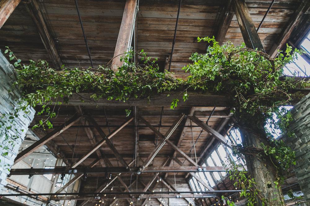 sophisticated-brooklyn-wedding-greenpoint-loft-IG36.jpg