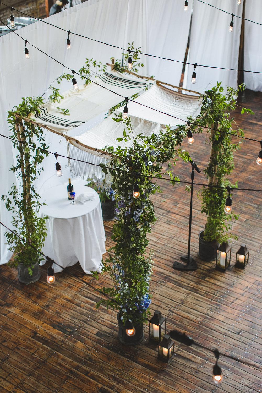 sophisticated-brooklyn-wedding-greenpoint-loft-IG38.jpg