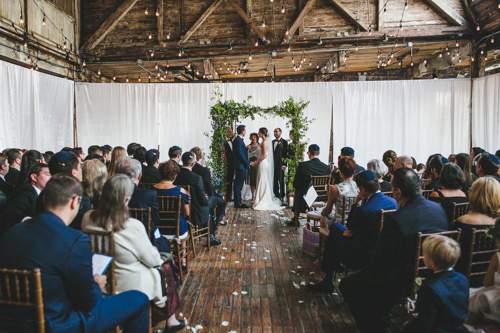 sophisticated-brooklyn-wedding-greenpoint-loft-IG41.jpg