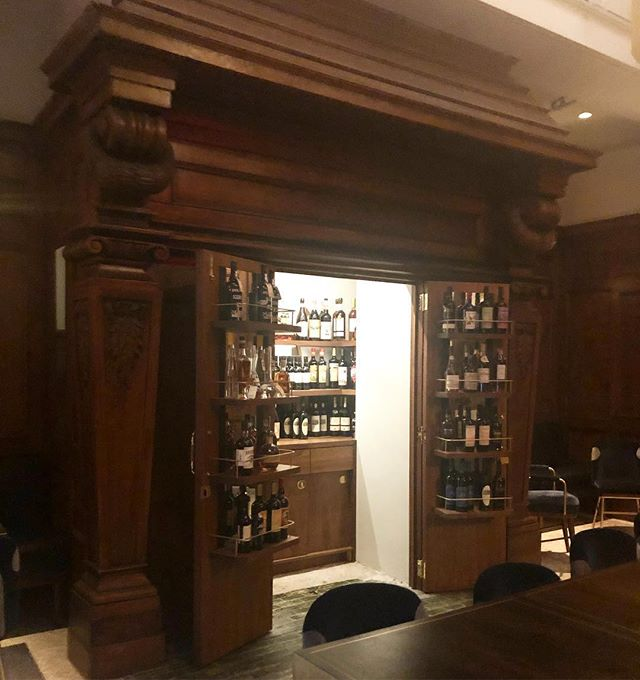 This booze cabinet was once a massive fireplace. Such a thoughtful reno at @bennorestaurant!  #nycsecrets #finedining #privatediningroom #privatedinner #interiors #idosmallweddingstoo
