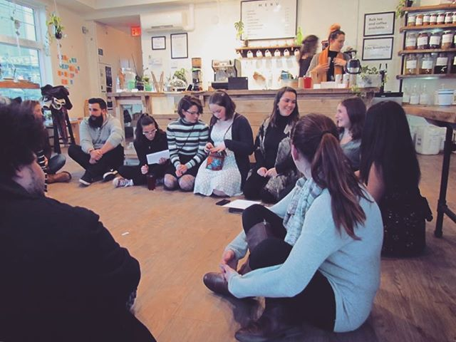 Here is a sneak peek into the the magic at our Potluck Poetry Slam ✨ We pushed the furniture out of the way and all sat together in a circle while our performers shared their hearts. Thank you for the courage and honesty from the Rising Up fam 🙌 #poetryslam #circle #poems #youth #spokenword #performance #live #music