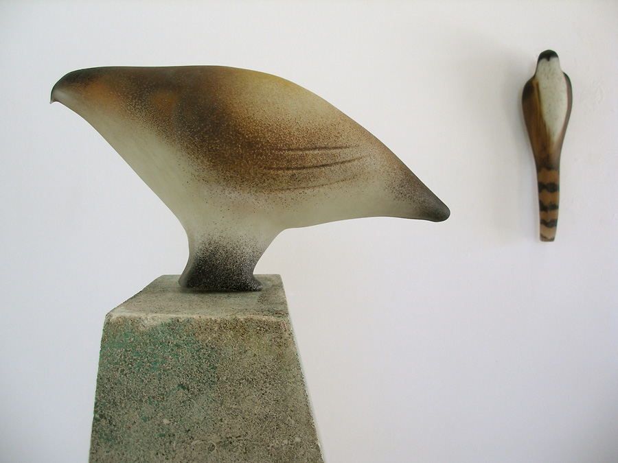 """Quail Hawk""(with Accipiter), 2010 Hand blown pigmented glass Gaffer: Ross Richmond 15 x 8 x 14"