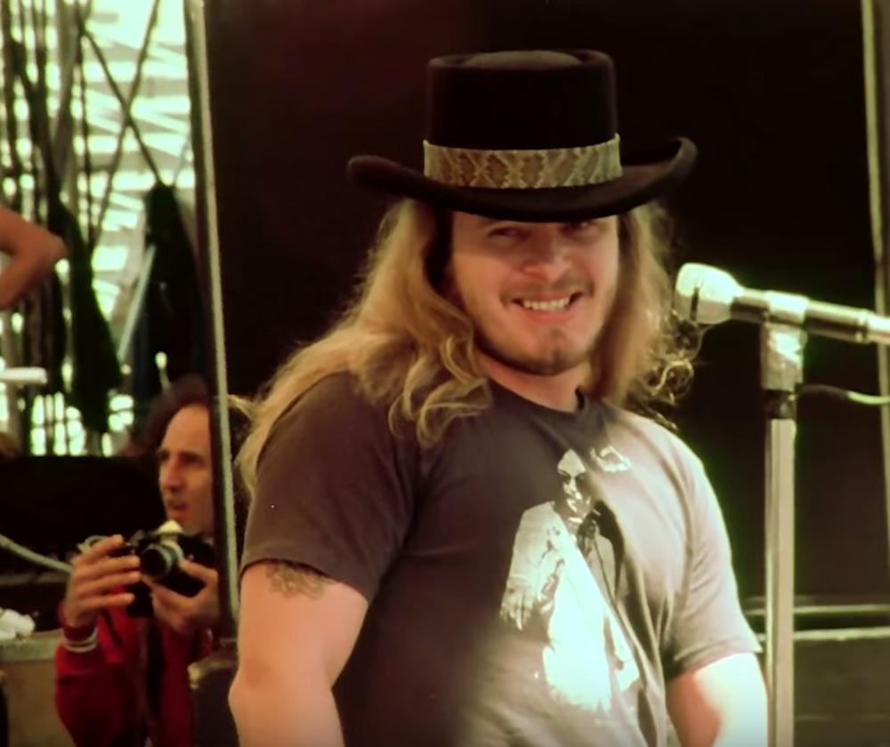 lynyrd-skynrd-oakland-1977-ronnie.png