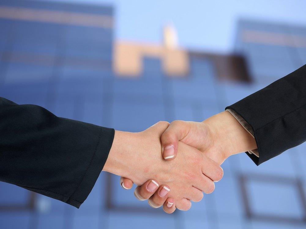 handshake-3298455_1280.jpg