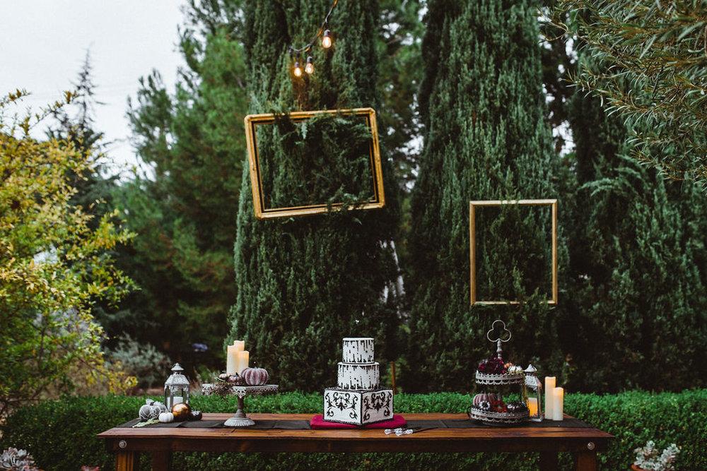 October-Details-Wedding-Pasadena-California-Halloween-Tim-Burton-Alice-Wonderland-Whimsical-Hieusz-Photography-35.jpg