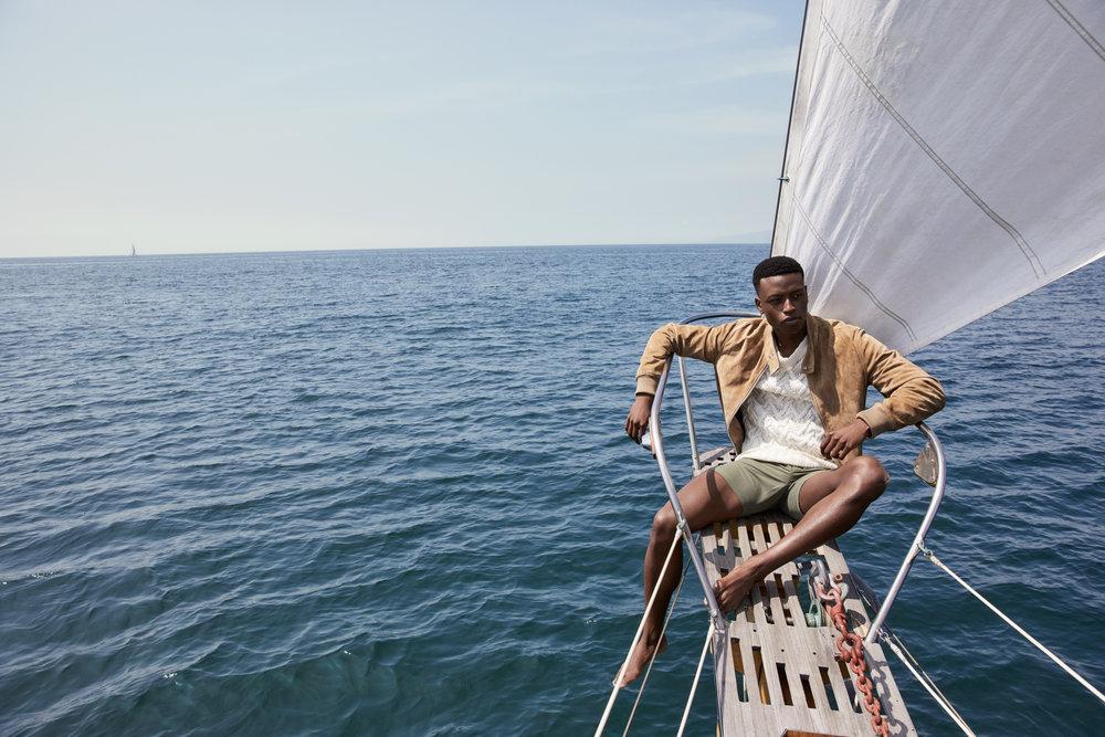18-670-Fourseasons_Yacht-E_1812RT.jpg