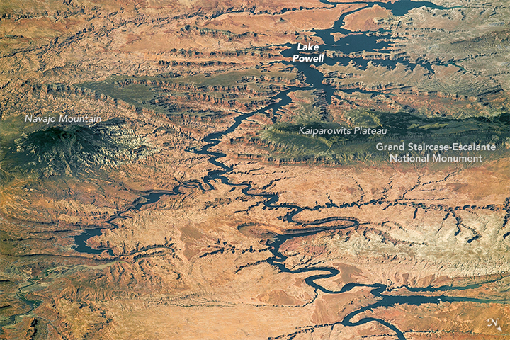 The Colorado Plateau from space (NASA Earth Observatory)
