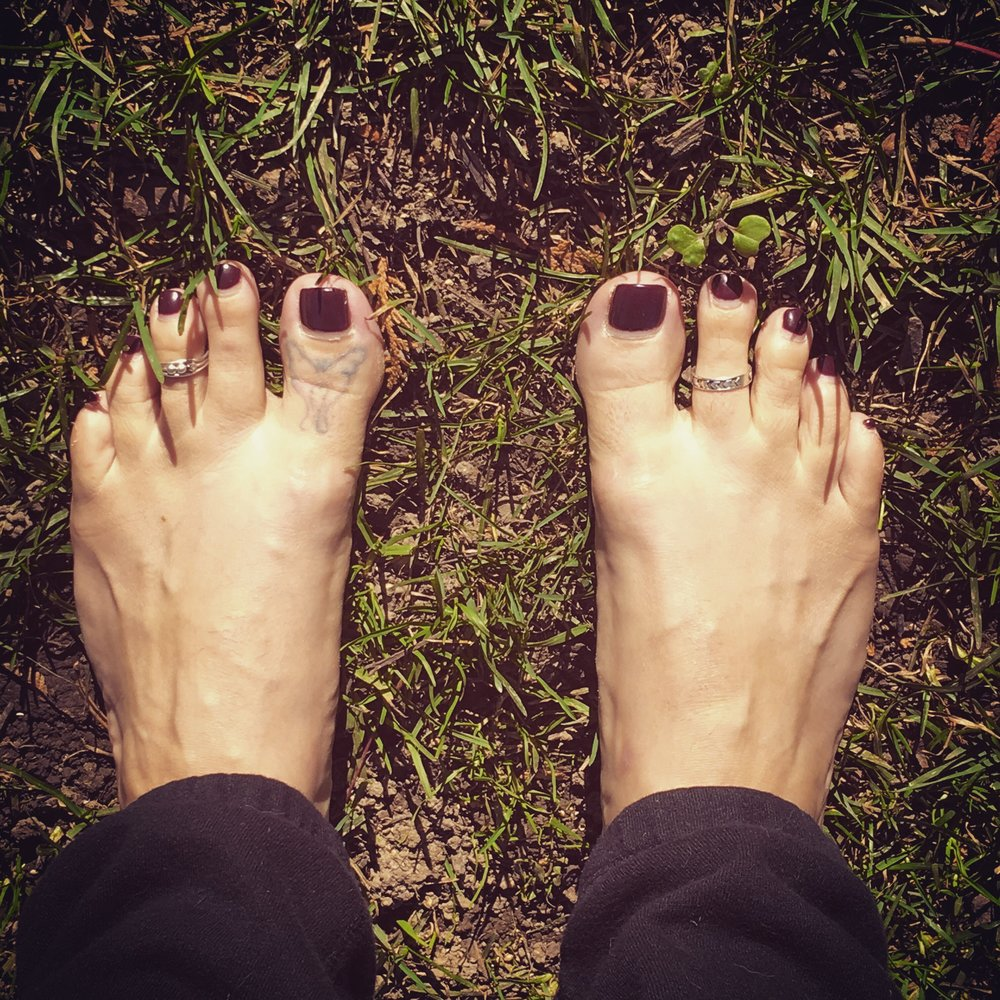 earthing / krista-mitchell.com