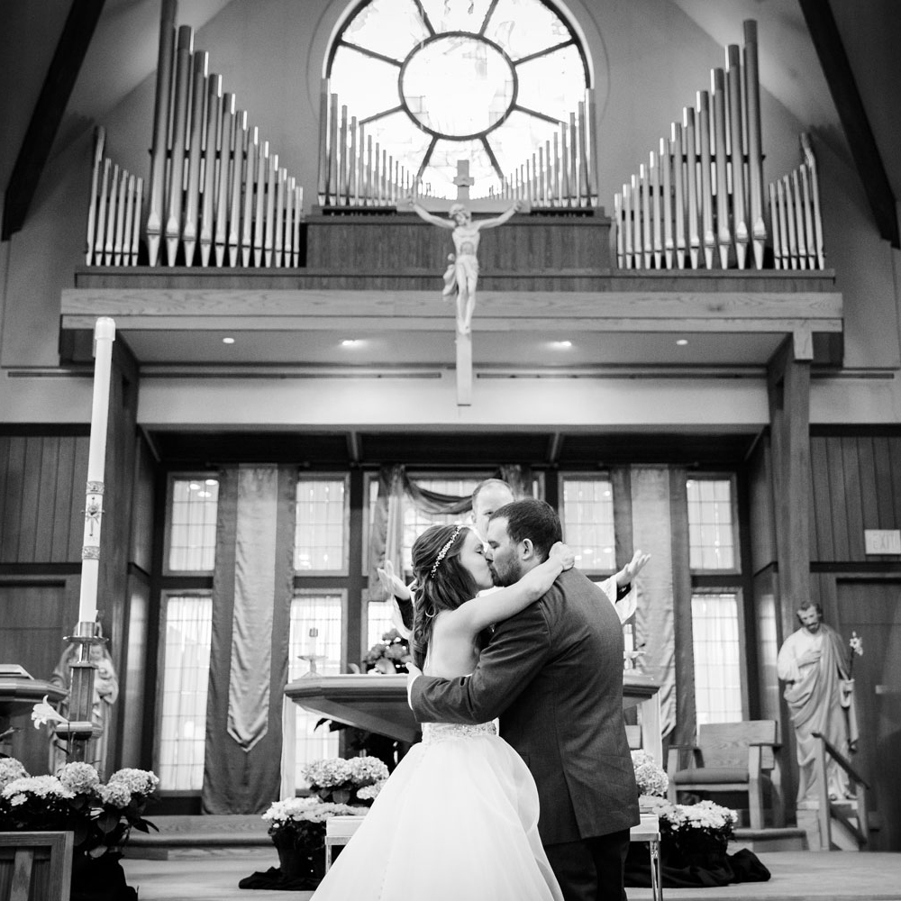 Weddings - We offer a range of options to best match your Wedding Day. Wedding Collections begin at $2,200.
