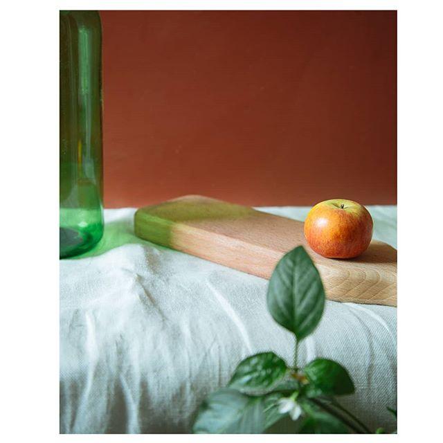 Tempted?  #apple #eden #red #green #temptation #choppingboard #wine #bottiglione #winebottle #homewares #solidwood #uniquehomewares #wood #woodwork #homeware #kitchen #kitchenware