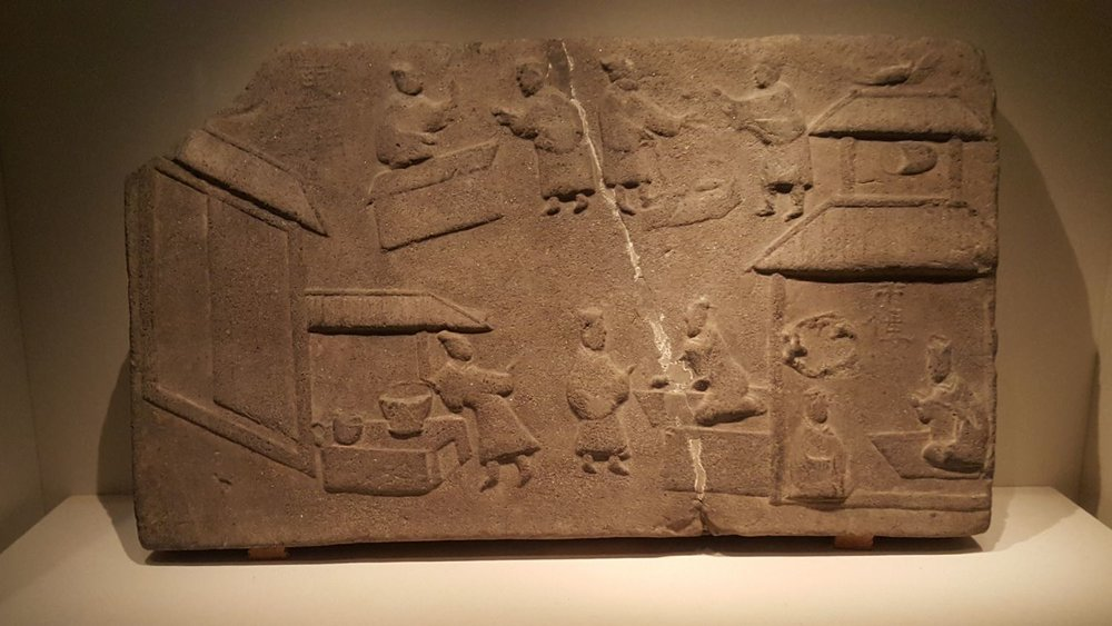 Brick Relief with Market Scene  Eastern Han Dynasty (25-220 AD)  National Museum of China, Beijing