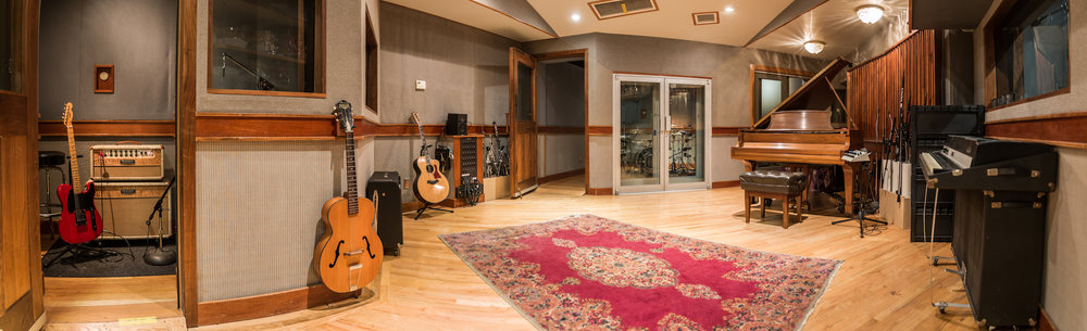 A-Studio-live-room_2018-03_color_2400x732.jpg