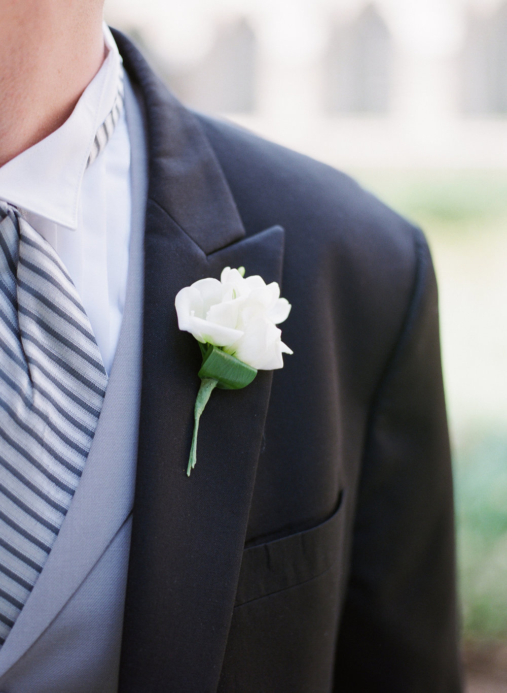 9fa45-chapelhillnctraditionalsouthernweddingboutonnierechapelhillnctraditionalsouthernweddingboutonniere.jpg