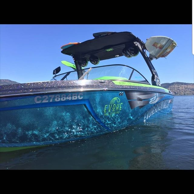 It was a HOT🔥☀️ one today! Holly and Jared's group had a great time staying cool out on the water! 🌊 #okanaganlife #kelowna #explorebc #kelownaviews #okanaganlife #okanaganlifestyle #okanaganlake #kelownaliving #kelownalife #kelownafornia