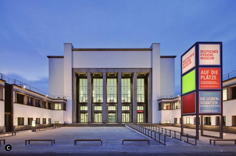 El edificio del Museo de la Higiene en Dresden, fotografiado por David Brandt.