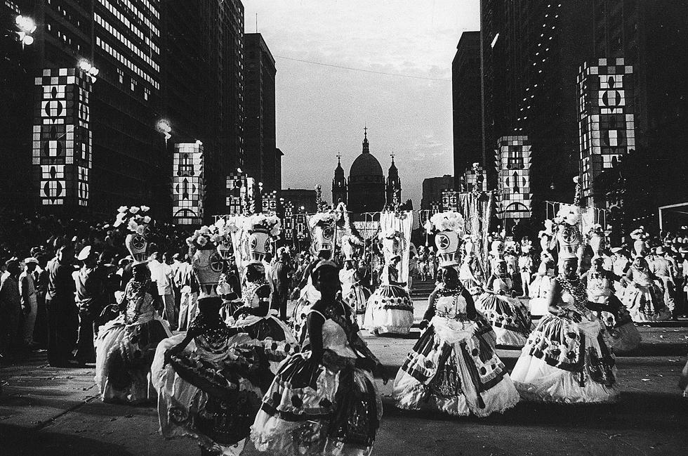 Salgueiro desfilando en la avenida Presidente Vargas, febrero de 1964.