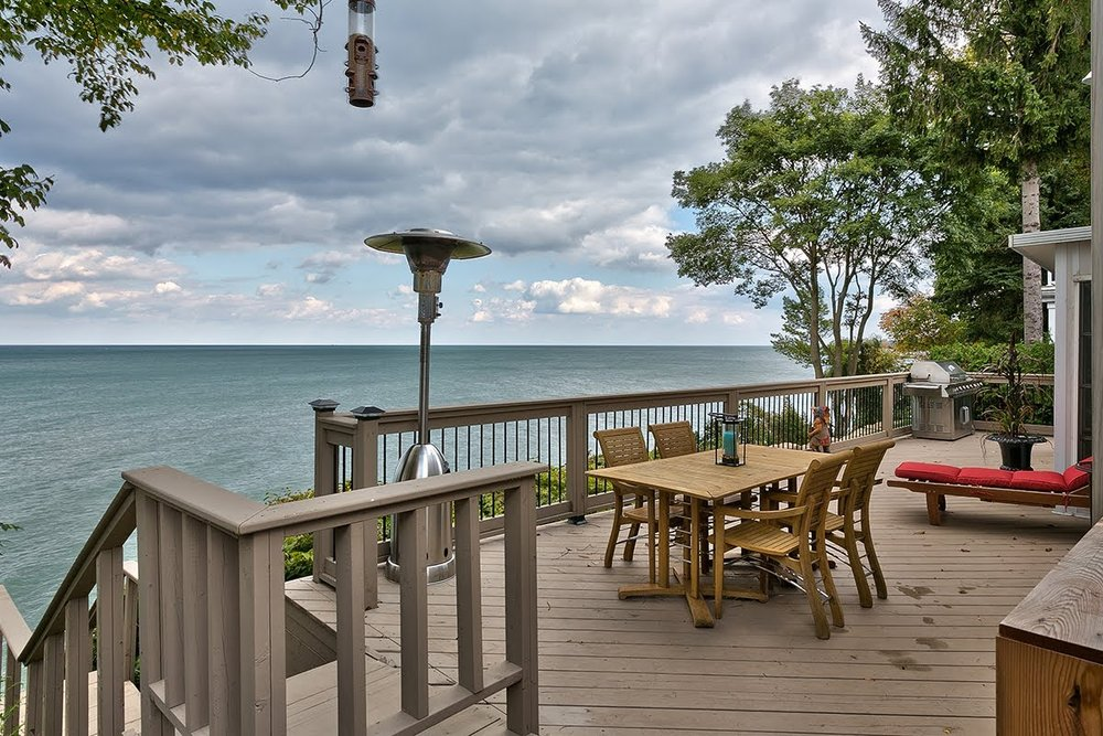 Oakville - waterfront home, near the Lake Shore Ontario