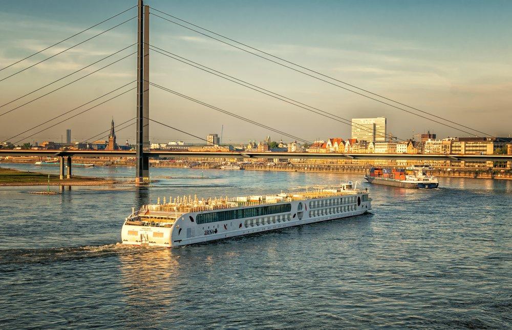 architecture-boats-bridge-434655 (1).jpg