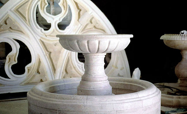 3 monolitic-fountain.jpg