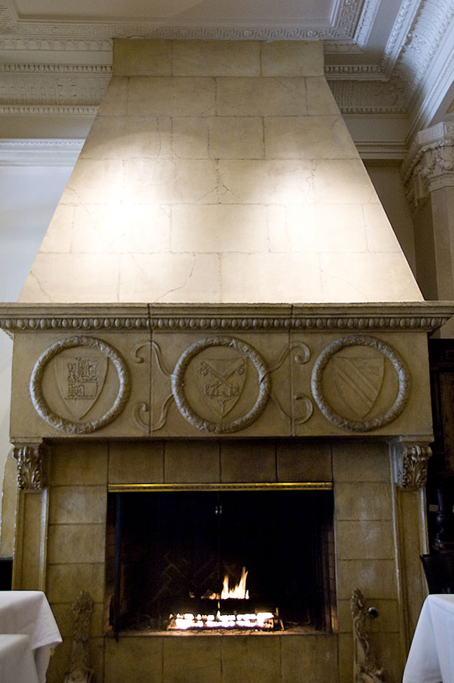 7 Villa-Florence-Fireplace.jpg