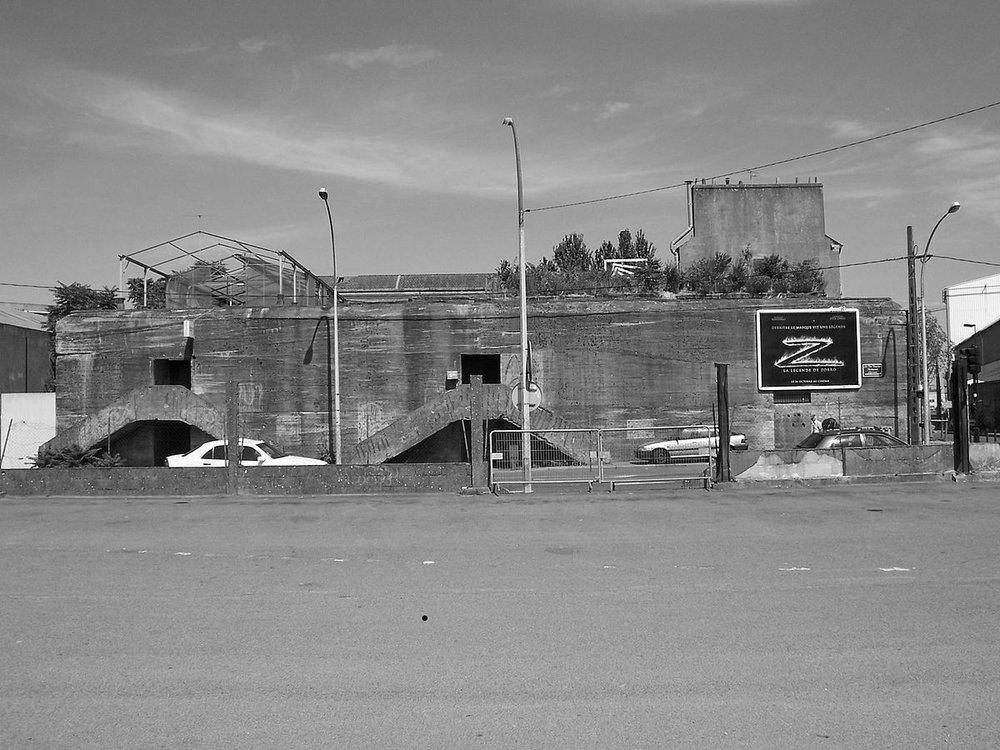 1200px-Bunker_-_Nantes.jpg