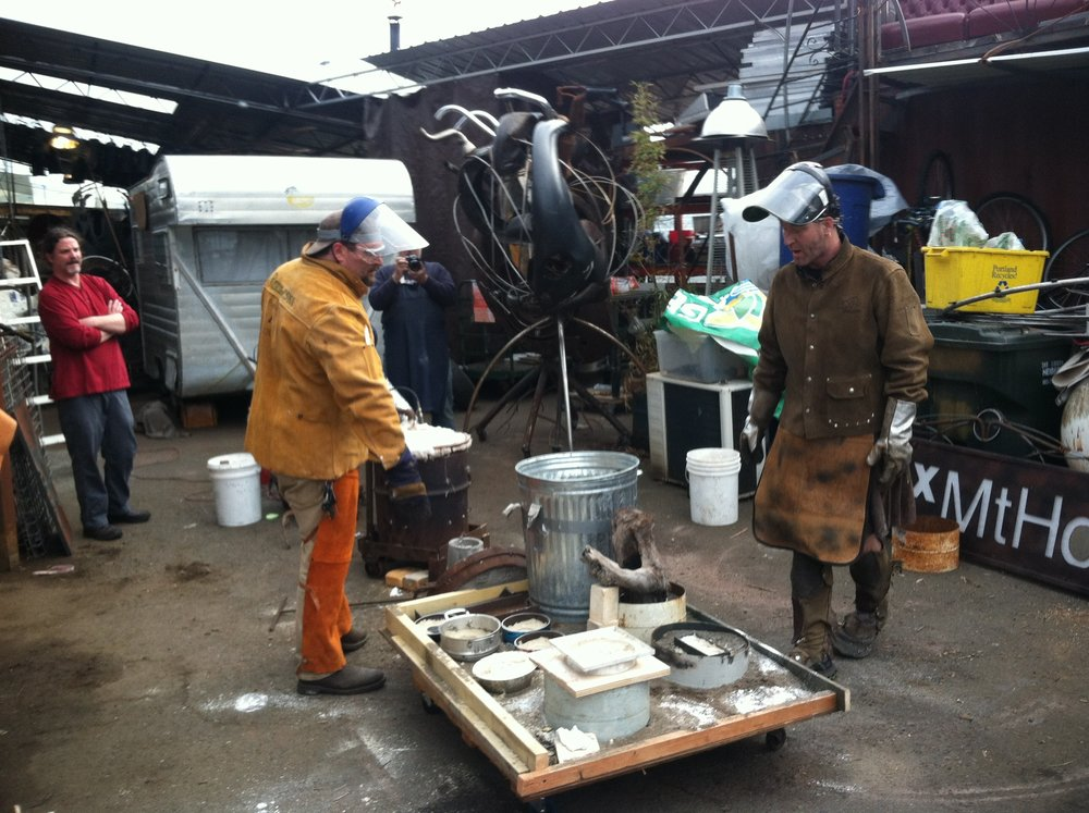 metal casting with foundry Joe - 1 of 22 (8).jpg