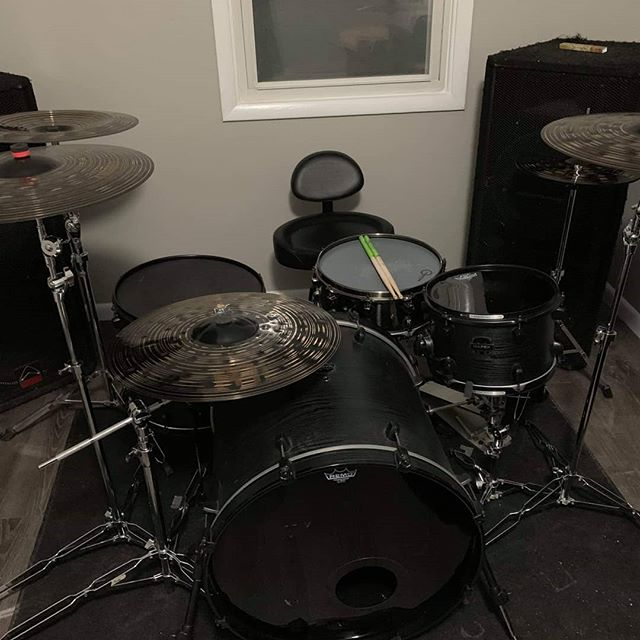 """Kenny just picked up this Limited Edition @mapexdrums Merdian Black Kit """"The Raven""""! These drums sound MASSIVE! #mapex #mapexdrums #scorpionpercussion #becomeimmortal #trickdrums #meinl #meinlcymbals #drums #drummer #metal #metalcore #deathcore #djent #thenewreign"""