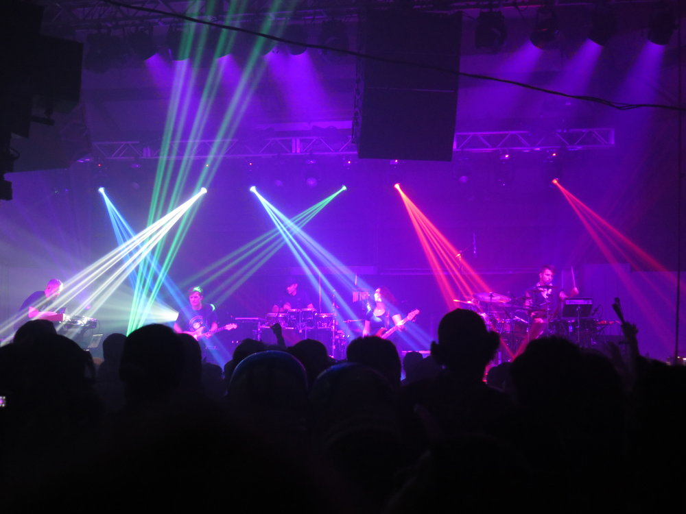 STS9 in the Red Barn
