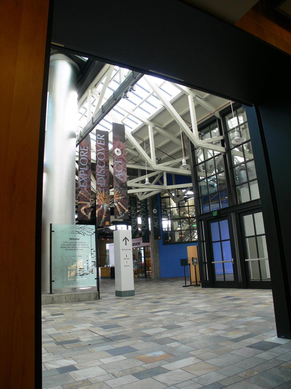 entry hall5.JPG