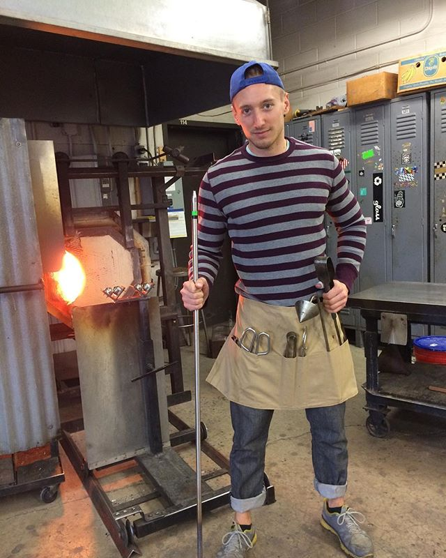 #tbt to those craft center days. This was school round two when I knew for sure I wanted to be a glassmaker and artist. I can't speak highly enough about my experience at @ttucraftcenter. #appalachiancenterforcraft #glassblowing #pnwartist #ronniephillipsglass #interiordesign #homedecor #instagay #toolsofthetrade #makersgonnamake #glassart #glassmaking #gayartist