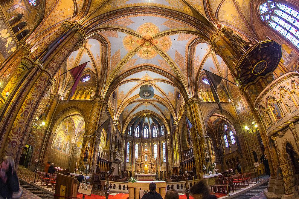 Biserica Mátyás - Controlul iluminatului