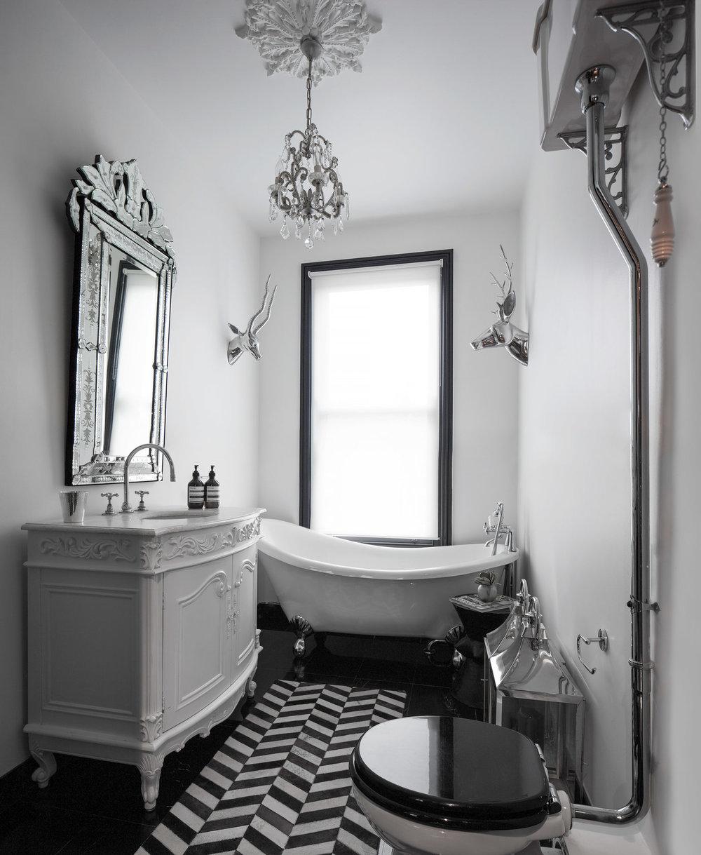 Casa-Botelho-Bathroom-Juliet-Murphy.jpg