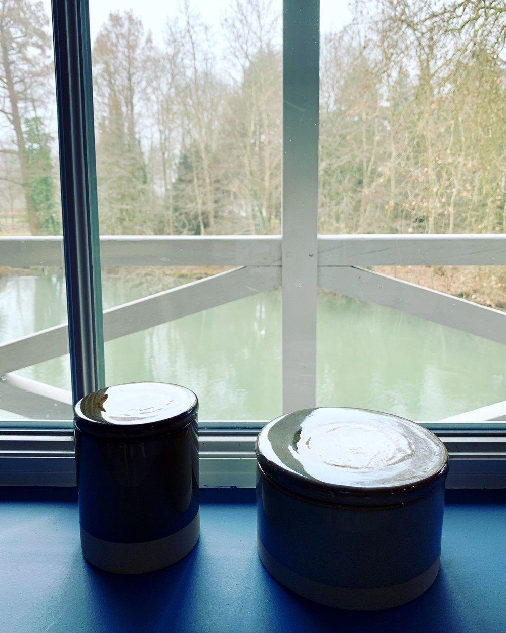 déco céramique  vue sur la rivière