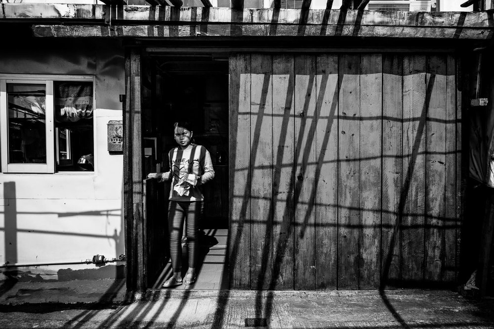 Neville fan - a street photographer that grasps the usual unusual