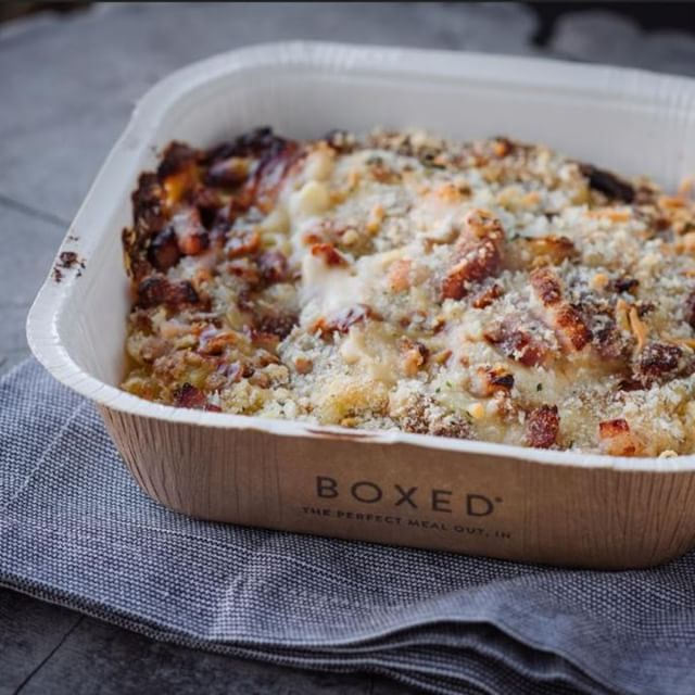 To give our Fully Loaded Mac and Cheese recipe the edge, our chefs have loaded it with smoked Italian pancetta, our delicious four cheese blend of Emmental, Italian Parmesan, British mature Cheddar and Mozzarella, and finished with tangy sun dried tomato. A serious contender for the comfort food crown 👑 👑 link in the bio to shop in Tesco . . . #EatBoxed #RethinkFrozen #New #MealsForOne #macandcheese #pancetta #mozzarella #emmental #parmesan # cheddar #cheese #frozenfood #food #foodie #foodstagram #foodpics #foodlover #meal #meals #mealtime #mealoftheday #readymeal #readymeals  #dinnerfortwo #dinner #dinnerisserved #dinnertonight #dinnerinspo #dinnergoals