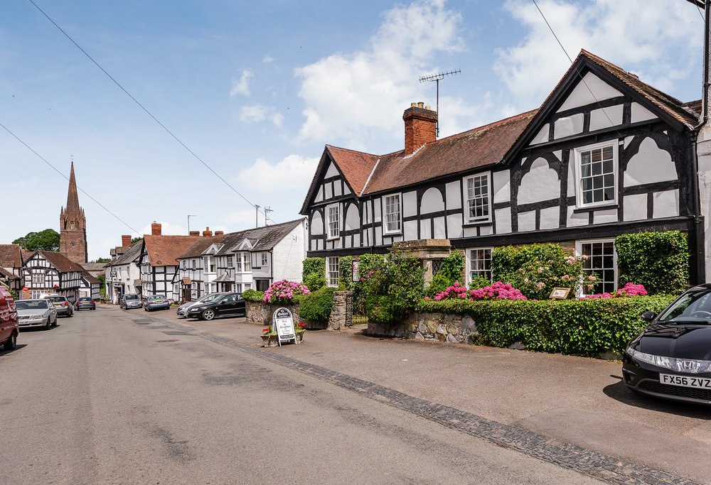 The Gables is situated in the heart of the bustling village, a stones throw from a range of country pubs, salons, a popular bistro, village shop, organic cafe, garage and post office.