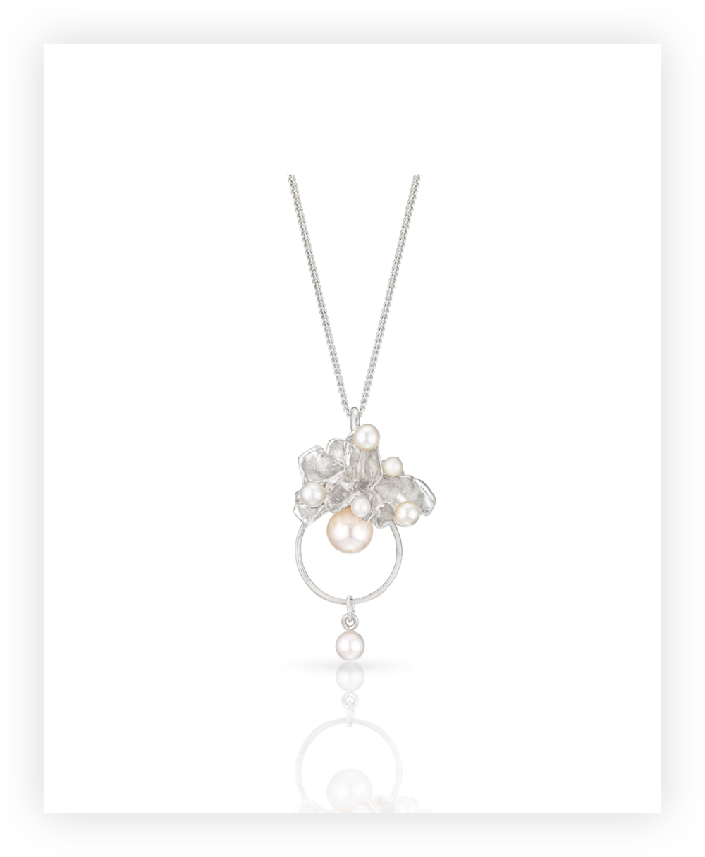 pearls and swirls pendant.png