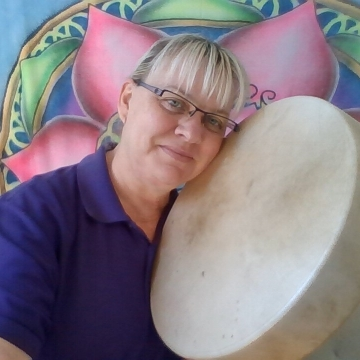 Check out Naomi's Video Diary on YouTube - Diary of a shaman-in-training