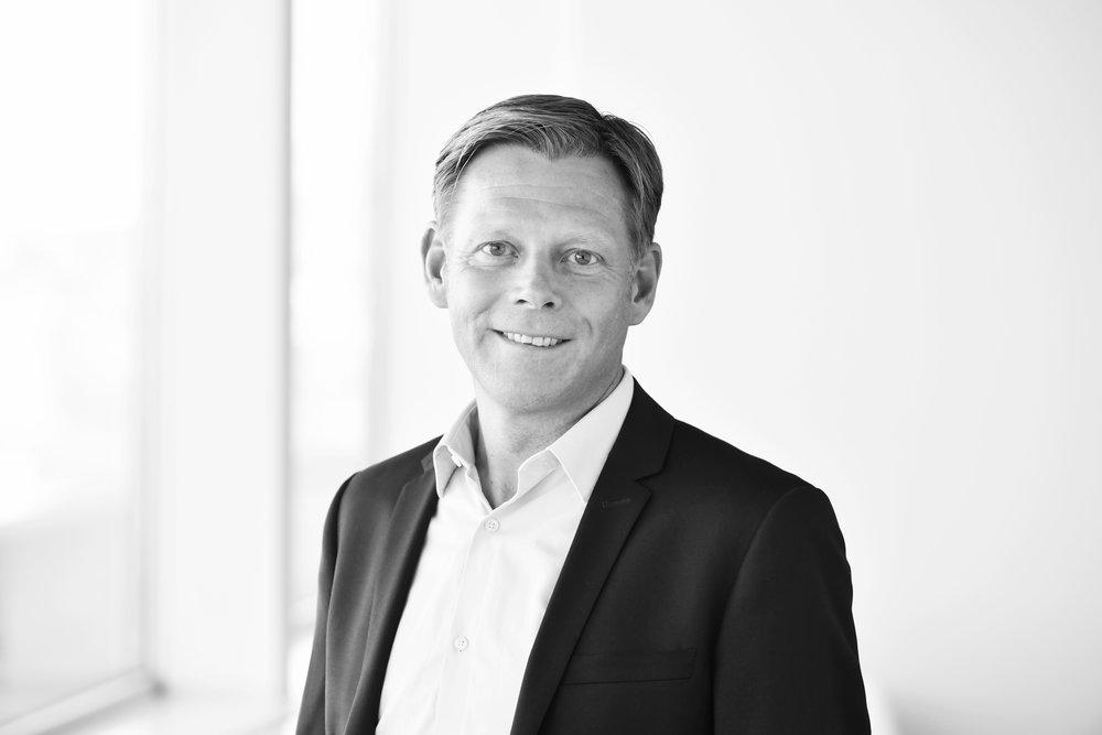 Roger - Roger Henrysson /SeniorkonsultRoger har sin bakgrund inom rekrytering och HR, framförallt som rekryteringskonsult med betoning på tillsättning av chefer och specialister på bl.a. Agentum, Korn/Ferry International och inom Novaregruppen samt som HR-chef. Han har en magisterexamen från programmet för personal- och arbetslivsfrågor vid Umeå Universitet.+46 (0)73 531 72 16 /roger.henrysson@nordicinterim.com