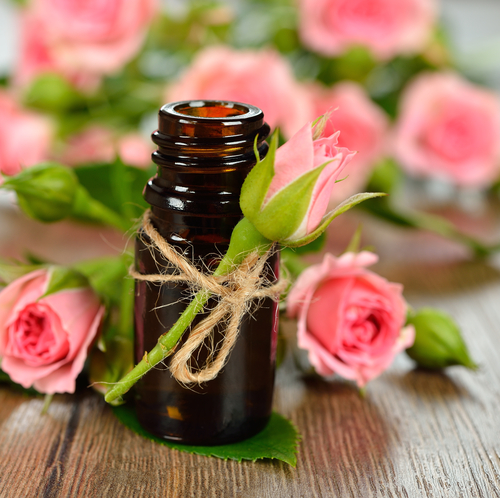 Ylang ylang, geranium, lavender, wild orange and patchouli essential oils are just some of the oils used in Earthen Vessel Care's luxurious range of all natural skin care moisturisers.