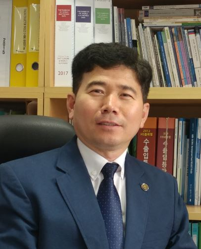 Mongyeul Ha - Director in charge of industrial policy at Korea Electronics Association (KEA).