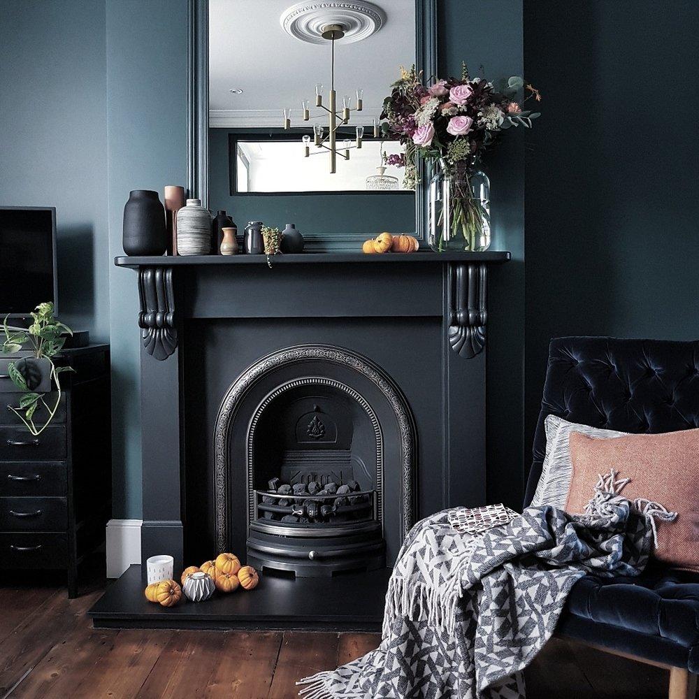 dark-lounge-inchyra-blue.jpg