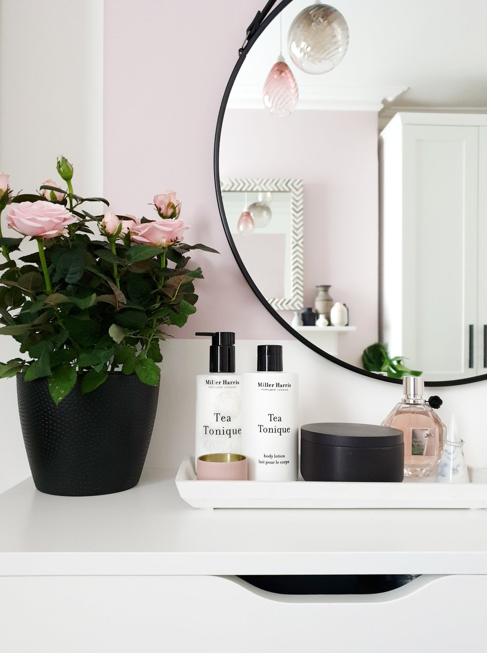 vanity-tray-close-up-blush.jpg