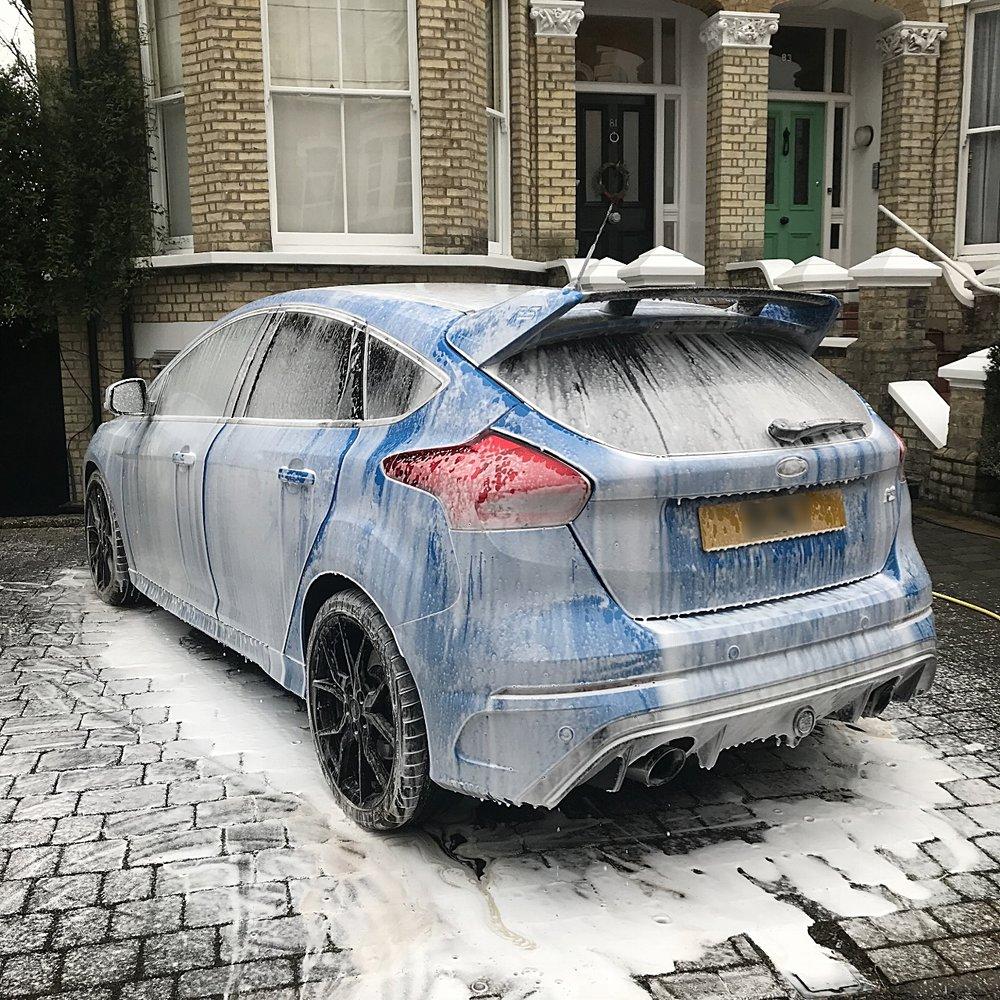 Ford Focus Rs MK2 snow foam