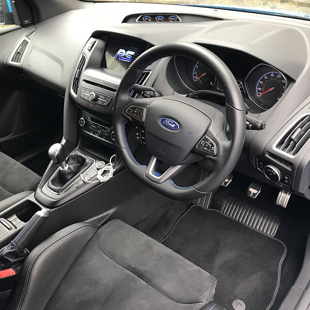 Ford Focus Rs MK2 detailed