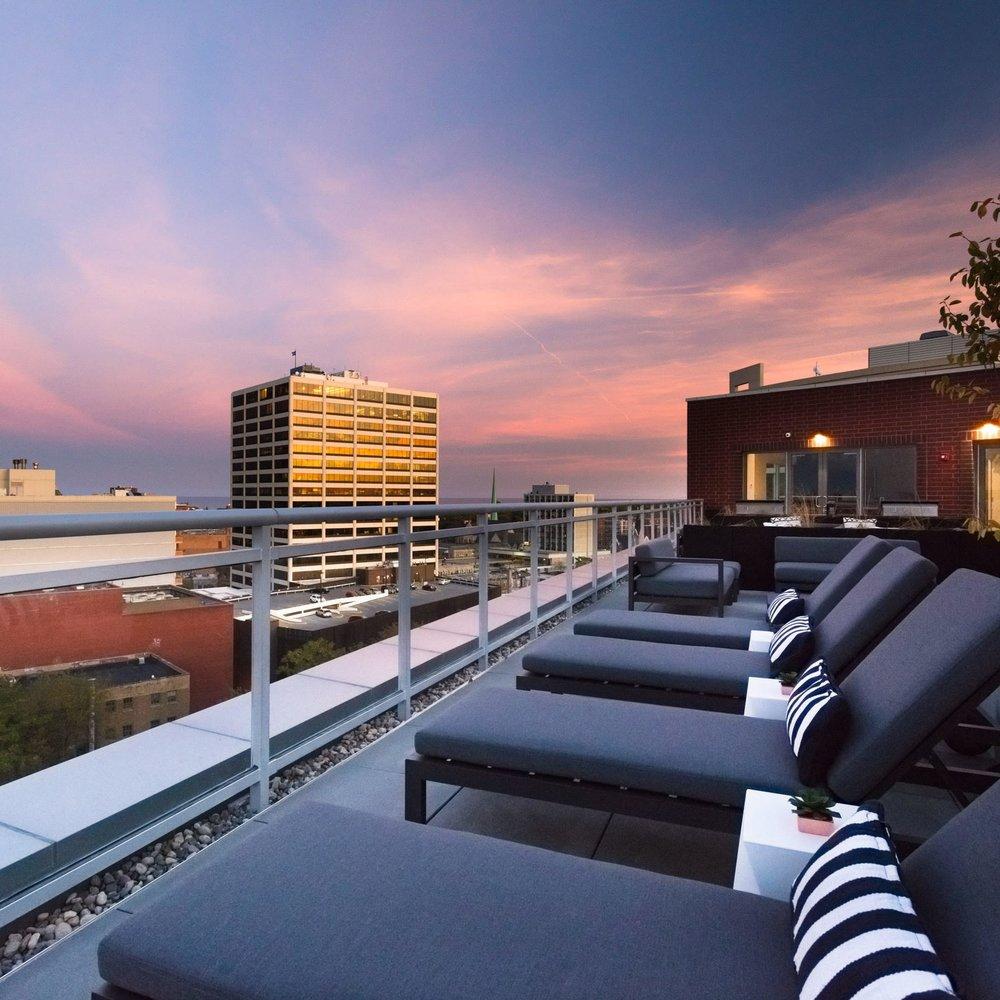 Centrum Evanston - Rooftop Deck - 01.jpg