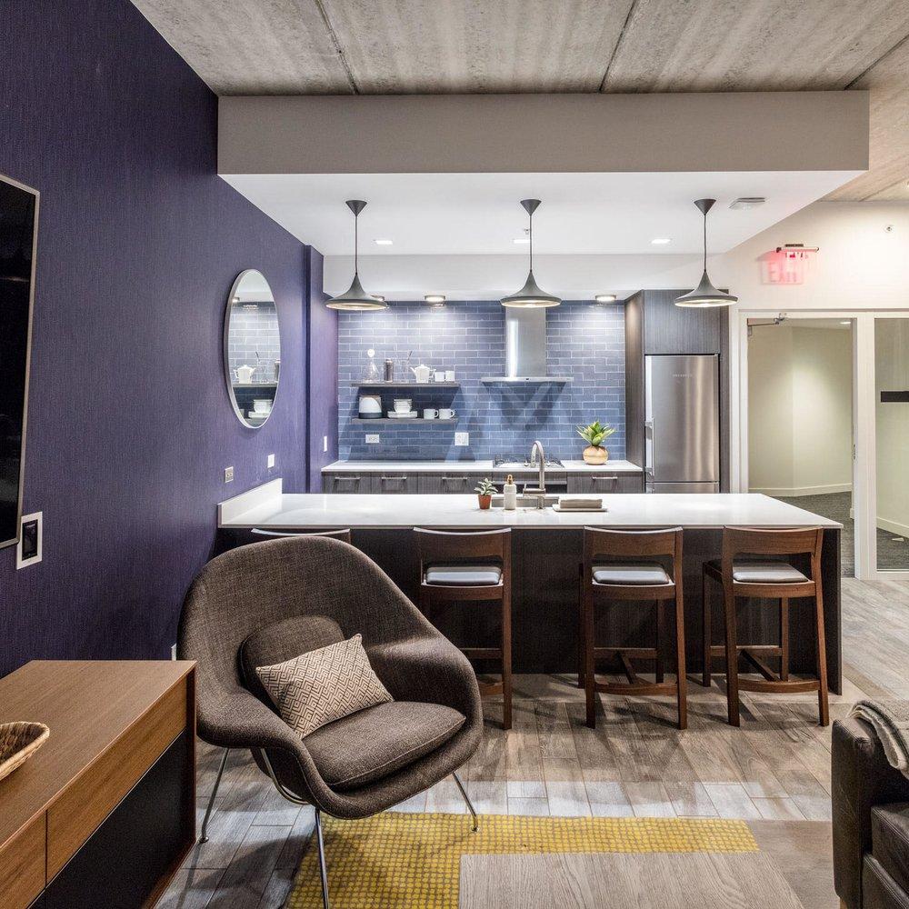 Centrum Evanston - Resident Lounge - 02.jpg