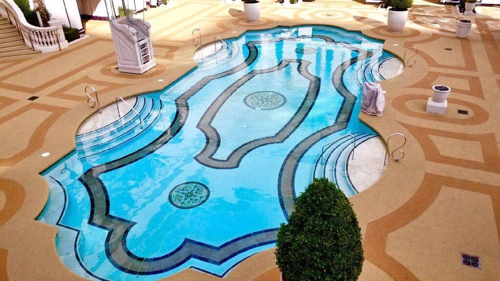 Caesars Palace Hotel & Casino   Rubaroc, fornecedor de pisos vulcanizados, finaliza projeto de mais de 6.500 m2 em grande hotel de Las Vegas.  Acesse e confira.
